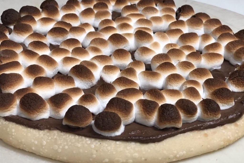 Sam's 2 for 1 Pizza & Pasta  in Spruce Grove - S'mores Pizza